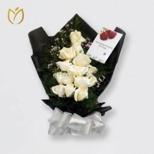hand-bouquet-enchanted-white